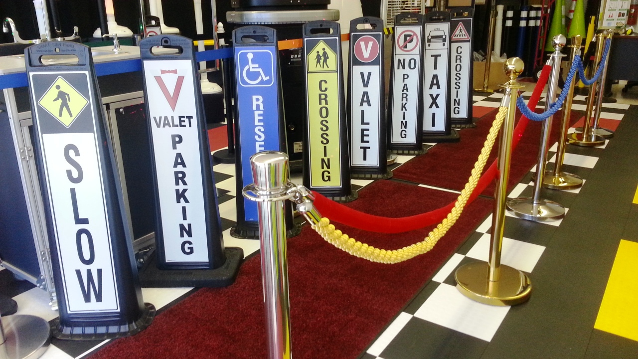 Vertical Valet Parking Lot Signs